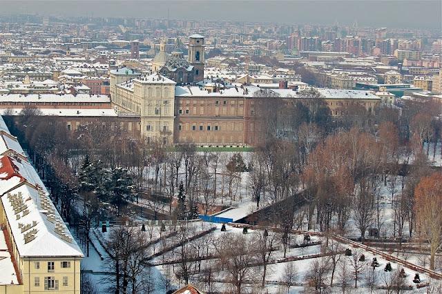 Cidade de Turim coberta de neve