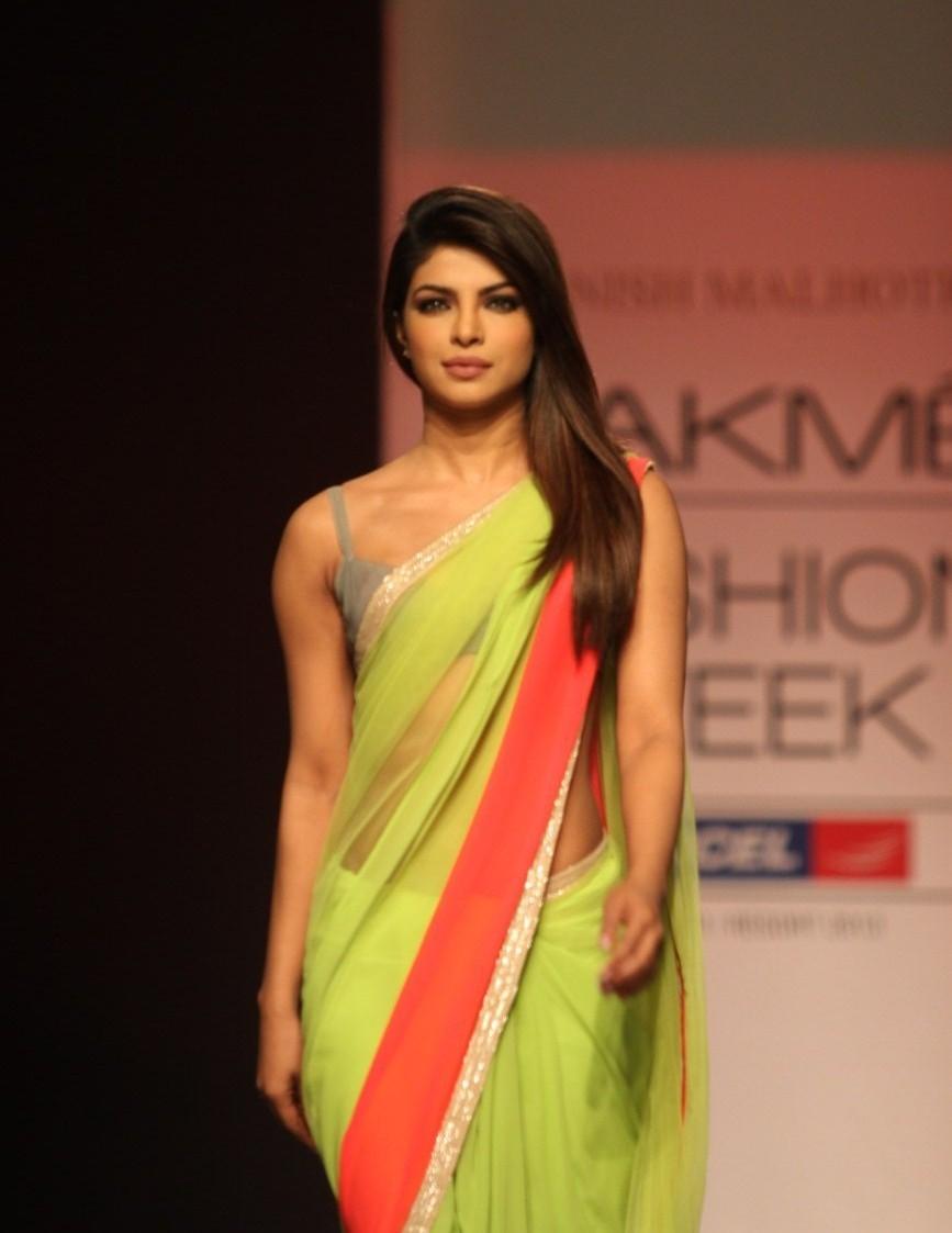 Priyanka Chopra Saree ...
