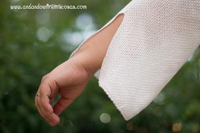 Jersey fino de color blanco, detalle.
