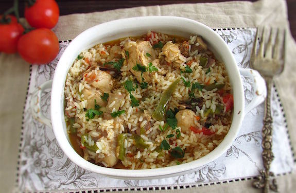 There are many ways to cook chicken and this stewed chicken recipe with rice is delicious, healthy and easy to prepare!
