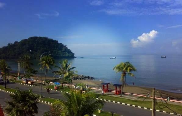 objek wisata Pantai Padang