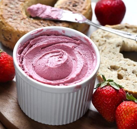 Vegan Strawberry Cream Cheese #dairyfree #vegetarian