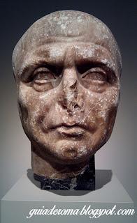 retrato sacerdote isis guia brasileira - O Altes Museum em Berlim