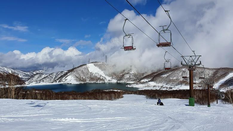 天晴的田代雪場景色