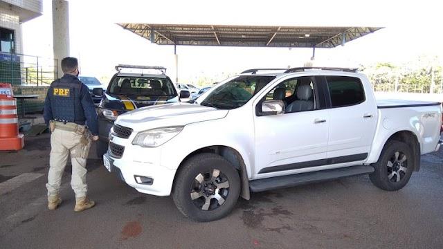 PRF recupera caminhonete roubada em cerca de 10 minutos no Paraná