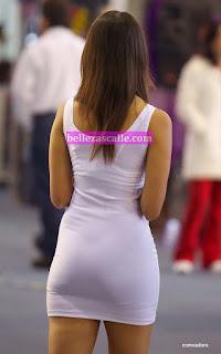 Bellas modelos vestidos ajustados