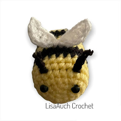 free crochet bumble bee keyring charm