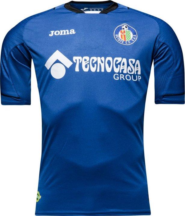 3e9bffe446aef ... Joma divulgou a nova camisa titular que o Getafe Club de Fútbol usará  na temporada 2016 17 do Campeonato Espanhol de futebol.