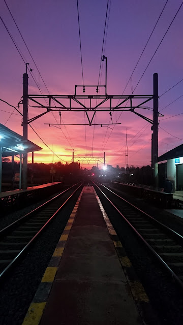 mentari pagi di stasiun tenjo krl commuterline