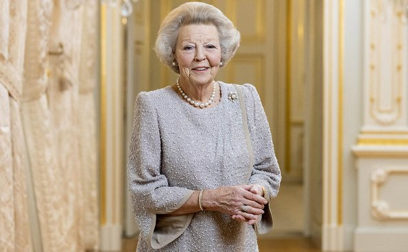 Princess Beatrix expressed her belief that it was time for the responsibility for the Netherlands to pass to a new generation