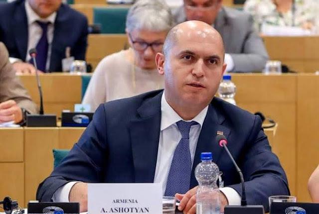 Armenia pide a Alemania explicaciones por acuerdo de Azerbaiyán