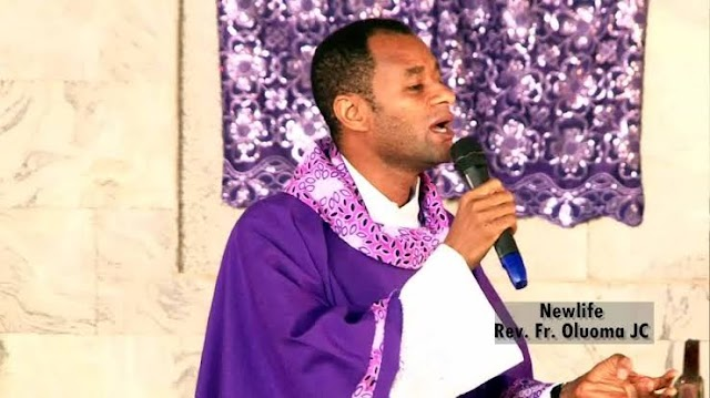 "(Watch Video) : ""The Grace For Wealth Is Not In Church, Jesus didn't Come to Make You Rich"" - Catholic Priest Says"