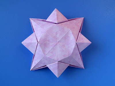 Origami, vista posteriore: Scatola a stella 4 - Star box 4 © by Francesco Guarnieri