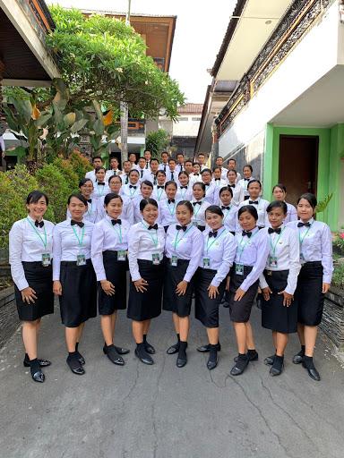 Foto Bersama Satu Angkatan