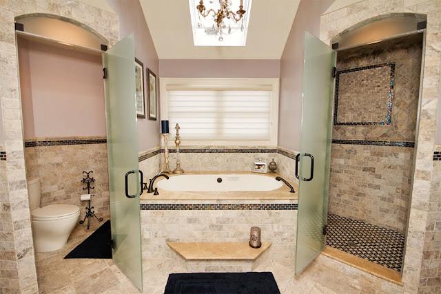 Matte dashing glass shower door