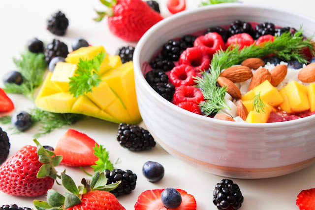 Keep yourself healthy with a balanced diet