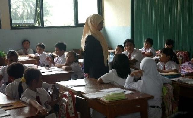 Begini Suka Duka Menjadi Guru Agama Islam di SD