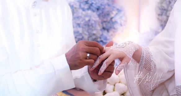 Gambar Majlis Perkahwinan Azrinaz dan Fairos Khan
