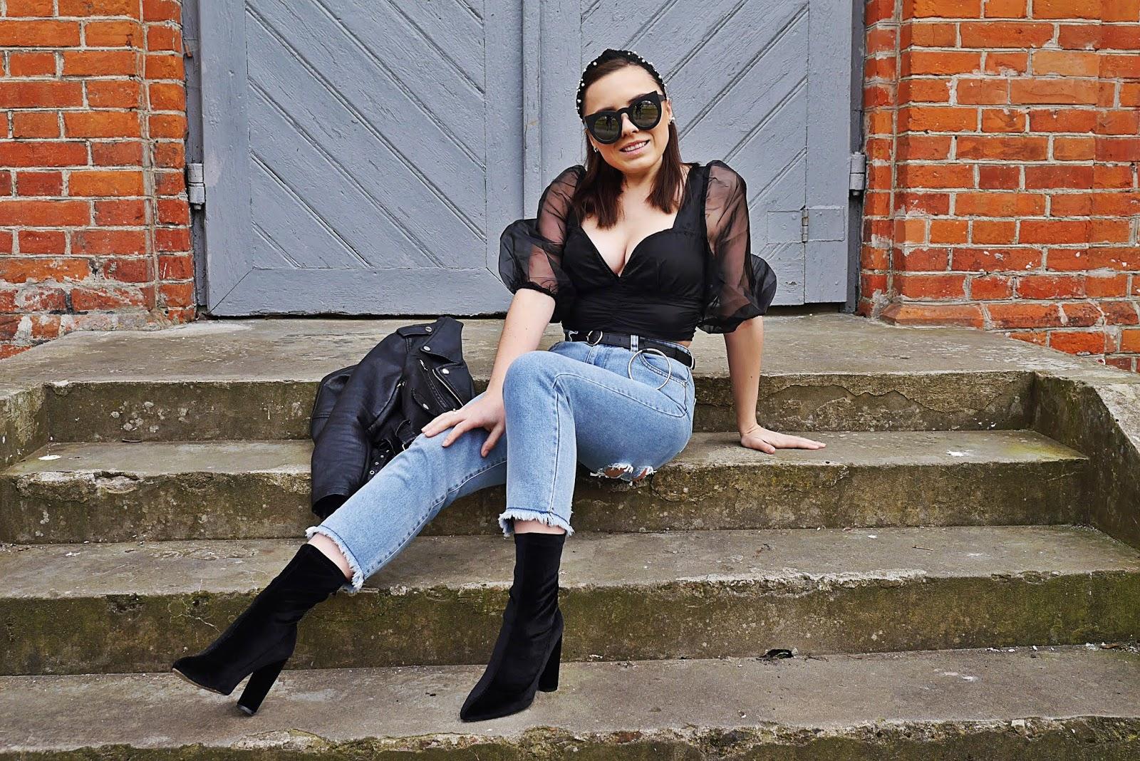 fashion blogger spring outfit look denim pants black top biker jacket aliexpress belt femme luxe