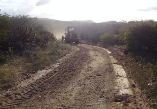 Em Picuí, máquinas continuam trabalhando a todo vapor na recuperação de estradas rurais