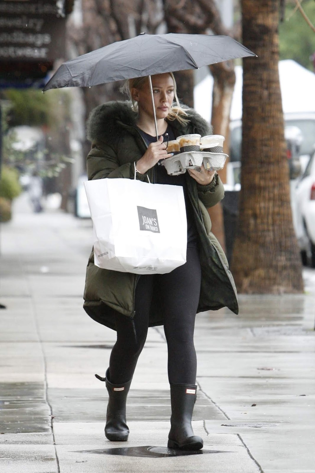Hilary Duff - braves the rain while out running errands, Studio City - 02/03/2019