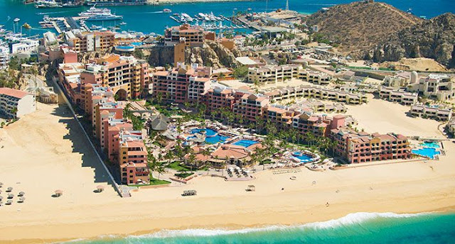 Playa Grande Grand Spa All Inclusive is an elegant all-suite resort on a beach is 8 minutes' walk from the Arch of Cabo San Lucas rock formation and 6 km from Quivira Golf Club.