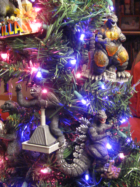Godzilla holiday tree - Detail 2