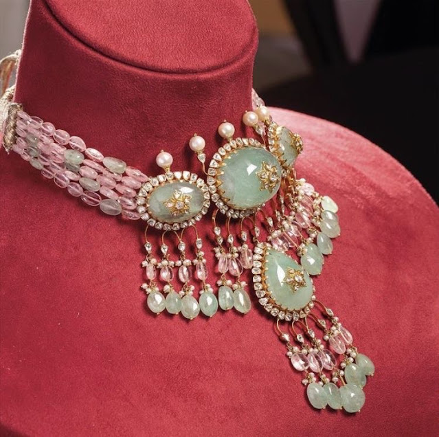 Royal Necklace with Emeralds