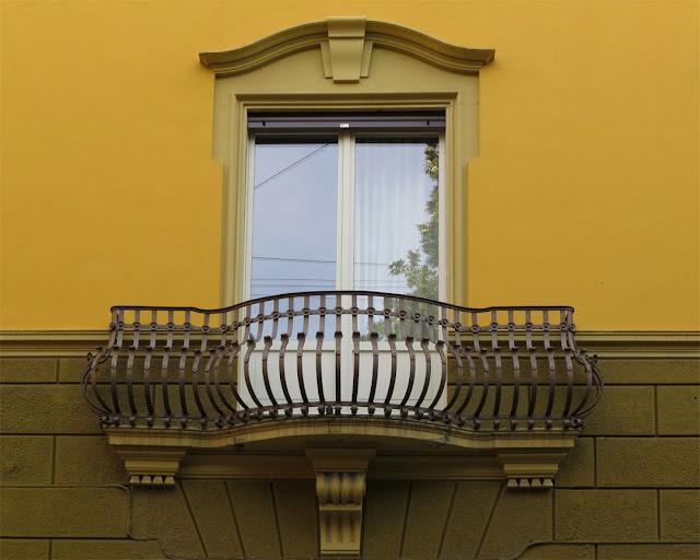 Wrought iron balcony, Via Belfiore, Bologna