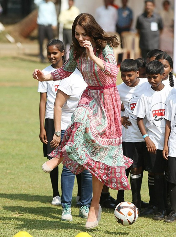 11b0131e060 Duchess Kate  Kate in Colourful Anita Dongre Tunic for Engagements in Mumbai