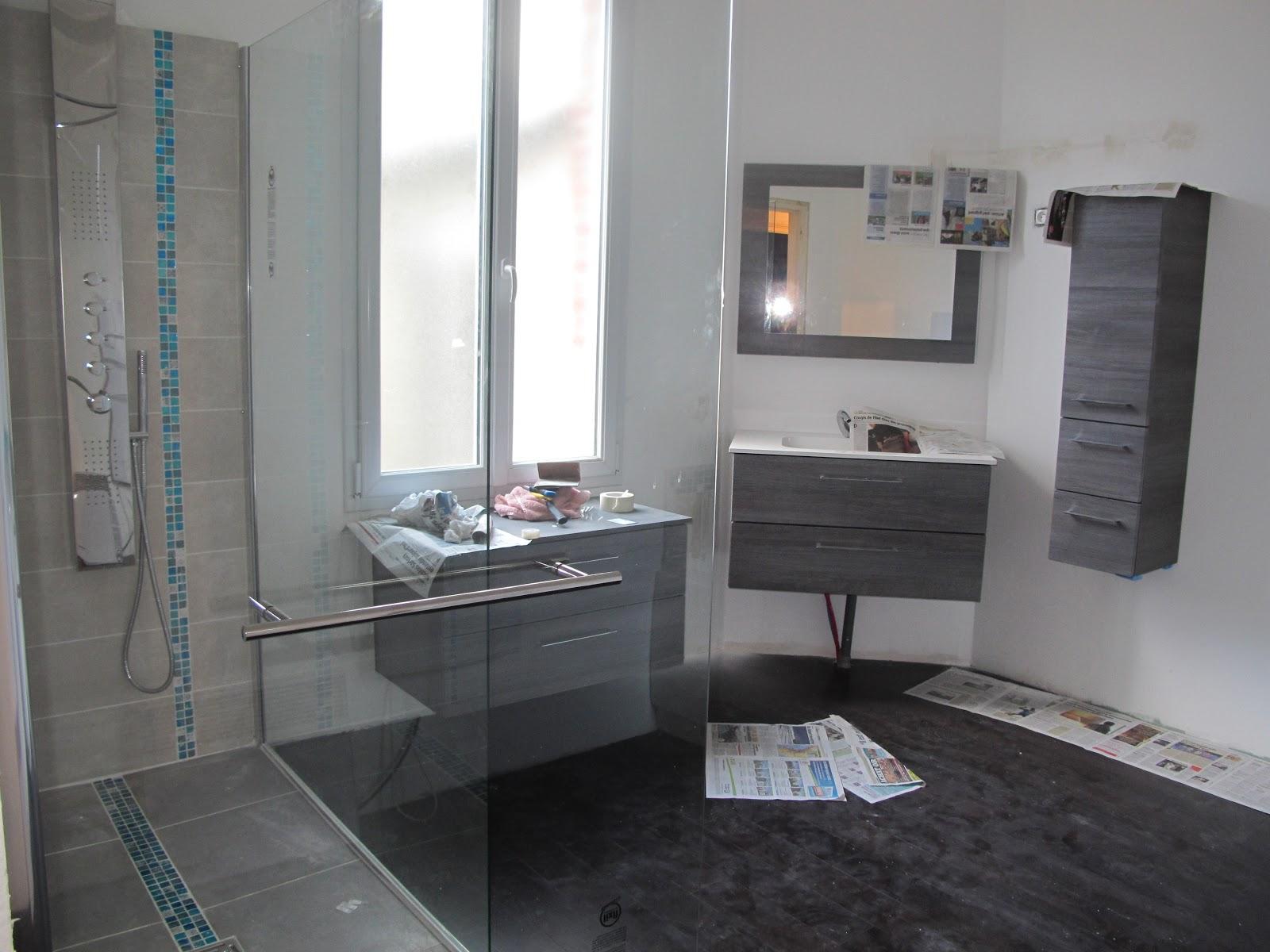 frise salle de bain horizontale ou verticale. Black Bedroom Furniture Sets. Home Design Ideas