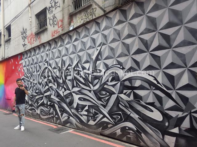 Taipei Ximending graffiti
