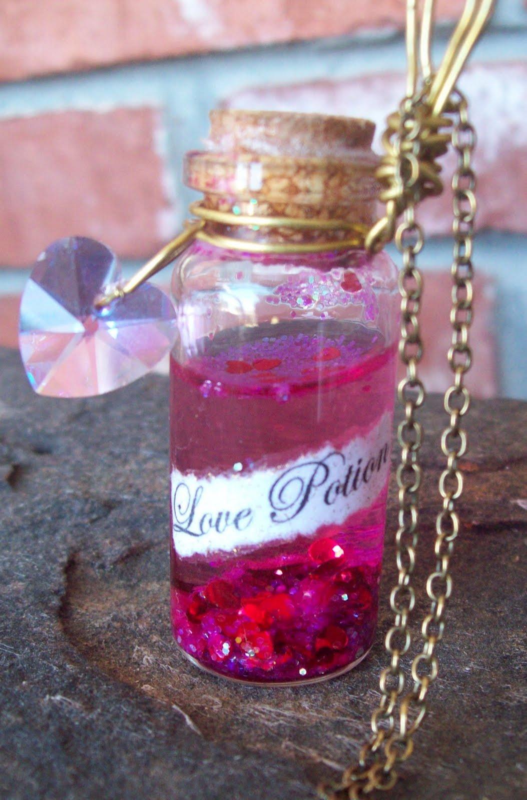 Amortentia or Love Potion Glass Vial Bottle Pendant ...  |Love Potion Harry Potter