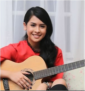 album maudy ayunda moment, maudy ayunda panggil aku, album panggil aku maudy ayunda, album pertama maudy ayunda, download album maudy ayunda, maudy ayunda tak akan sendiri,Lagu Maudy Ayunda Album Moments Mp3 Full Rar Terlengkap