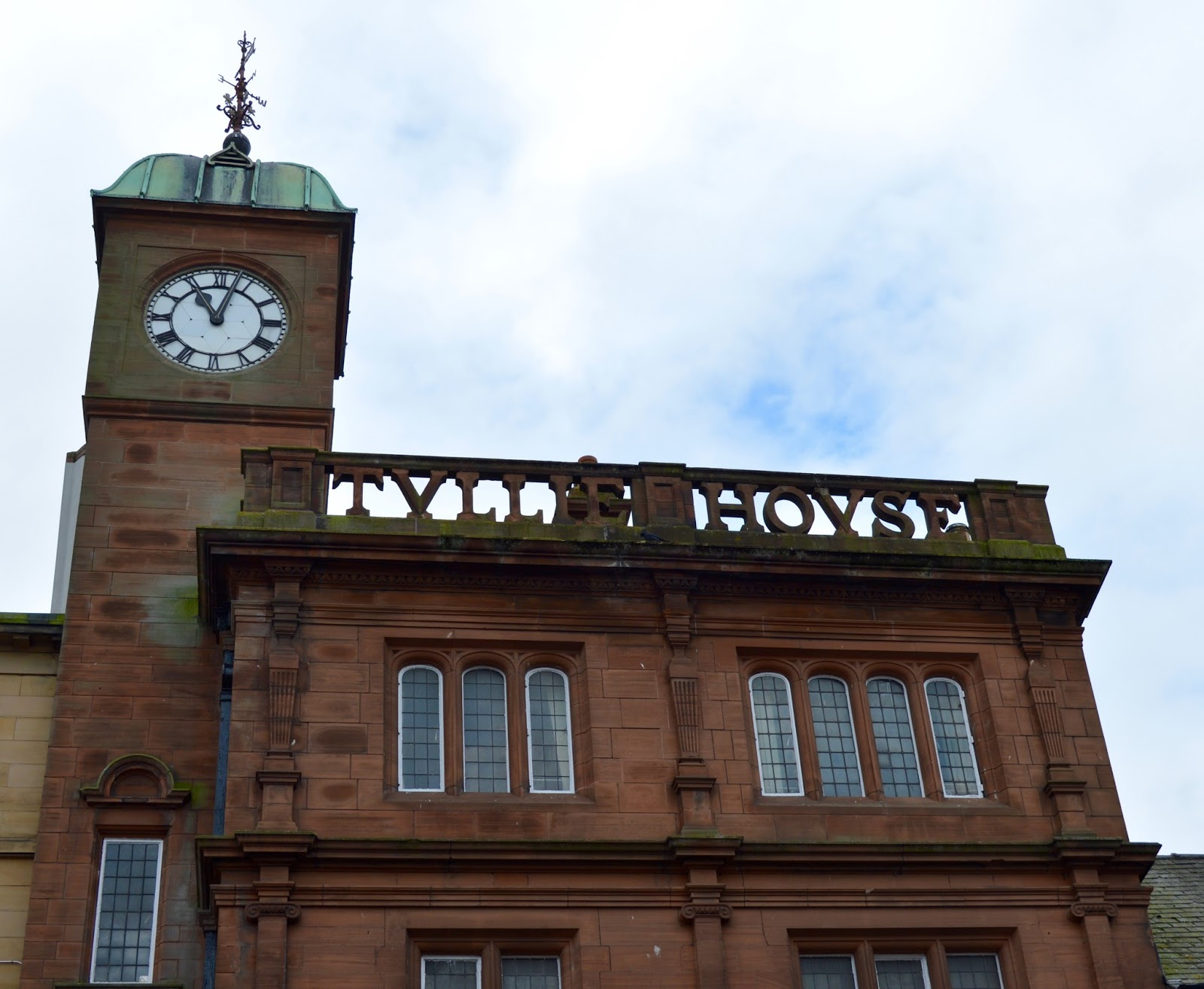 Great Days Out with Northern  | Our Day Trip to Carlisle by Train - Tullie Museum clock
