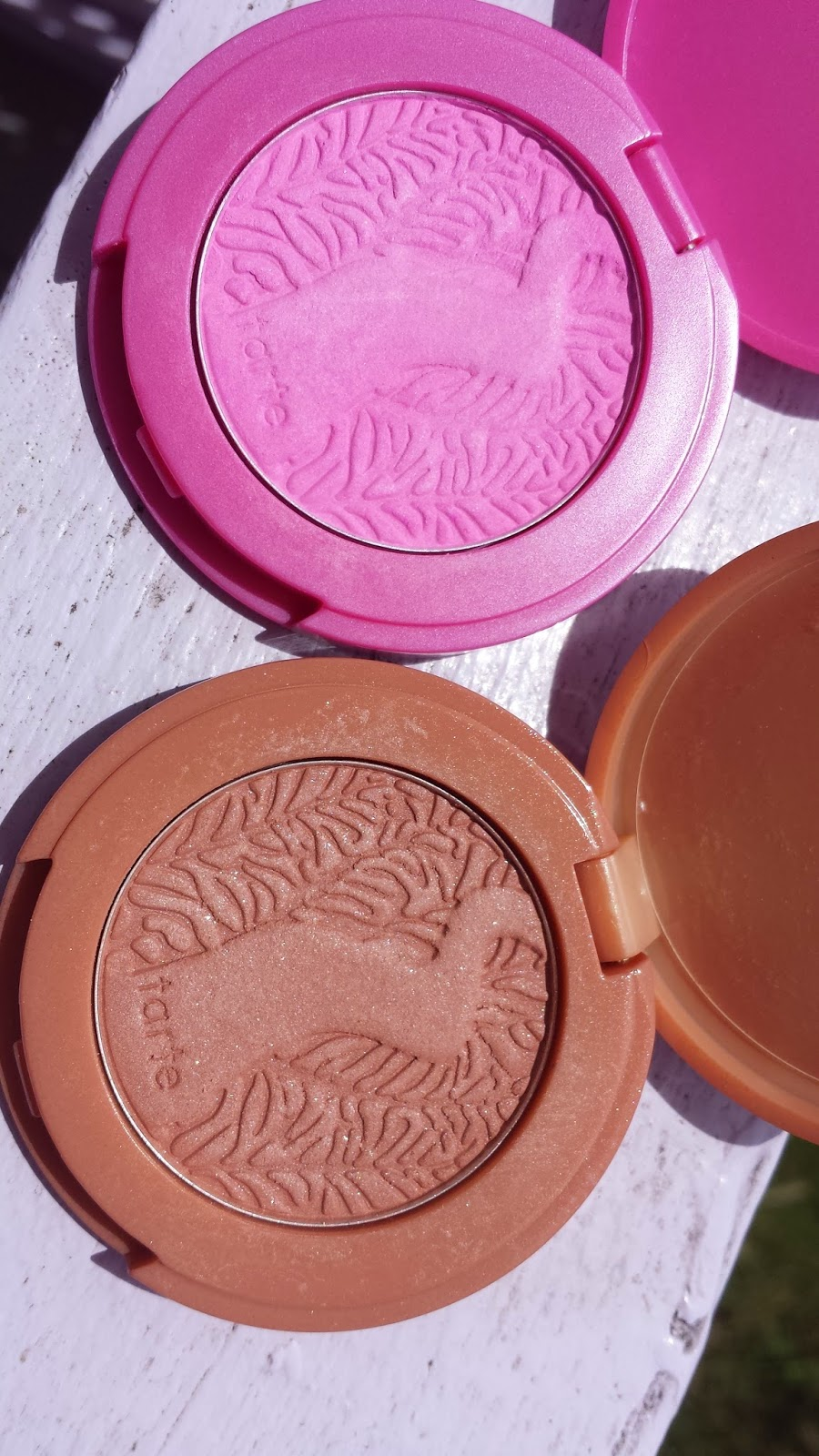 Tarte Amazonian Clay blushes 'Fantastic' and 'Stellar' - www.modenmakeup.com