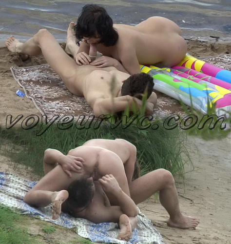 BeachHunters Sex 18022-18178 (Hot Nudist Couples spy cam at the beach)