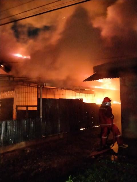 Satu Unit Rumah Terbakar, Ayah dan Anak Ditemukan Hangus