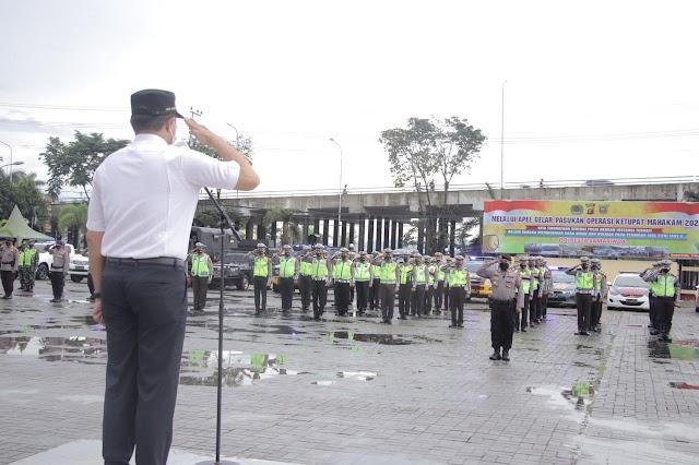 Forkopimda Kota Samarinda Laksanakan Upacara Apel Gelar Pasukan Operasi Ketupat Mahakam 2021