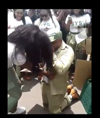 NYSC Man Proposes To His Girlfriend With A $50k Diamond Ring, Gone Wrong (VIDEO)