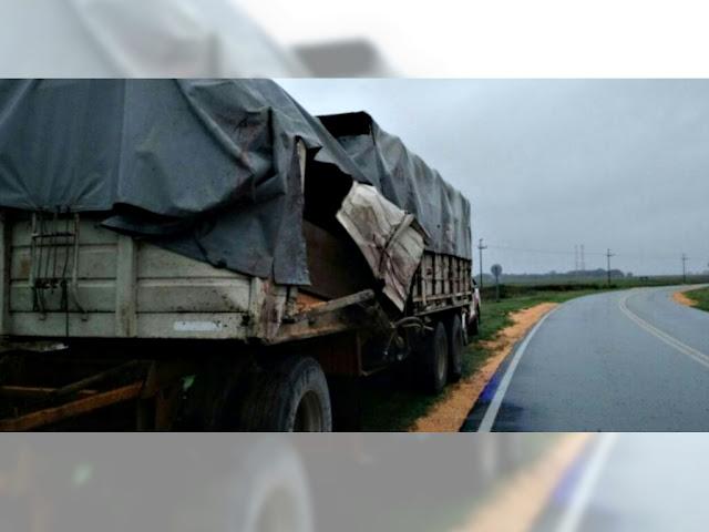 Laborde: Camionero alcoholizado, armado chocó y escapó