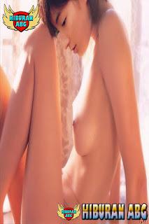 Foto-Model-Sexy-Ryoko-Hirosue-7