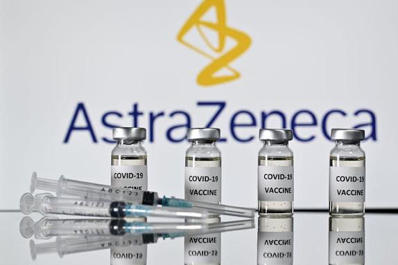 Vaccino AstraZeneca: ok dell'EMA, i benefici superano ancora i rischi nonostante il possibile collegamento a rari coaguli di sangue con piastrine basse