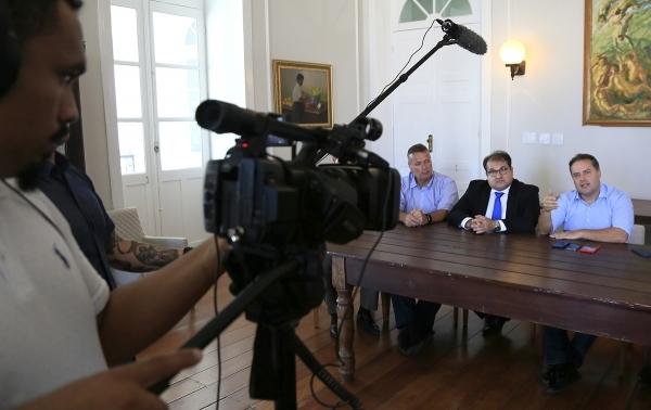 Governador  de Alagoas  confirma novos concursos em diversas áreas