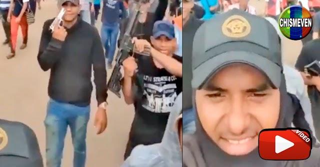 Enorme grupo de delincuentes pasean con sus armas por las calles de Maracaibo