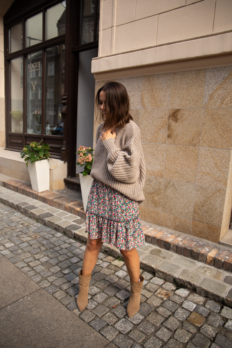 https://www.patchouli.pl/kategoria/swetry-bluzy