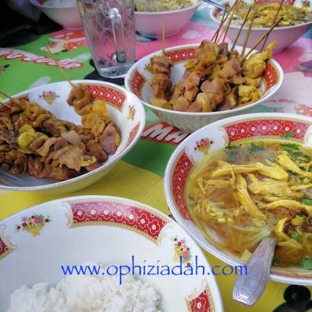 Kuliner Pinggir Jalan di Jogja, Sederhana namun Ngehits dan Ramai Pembeli