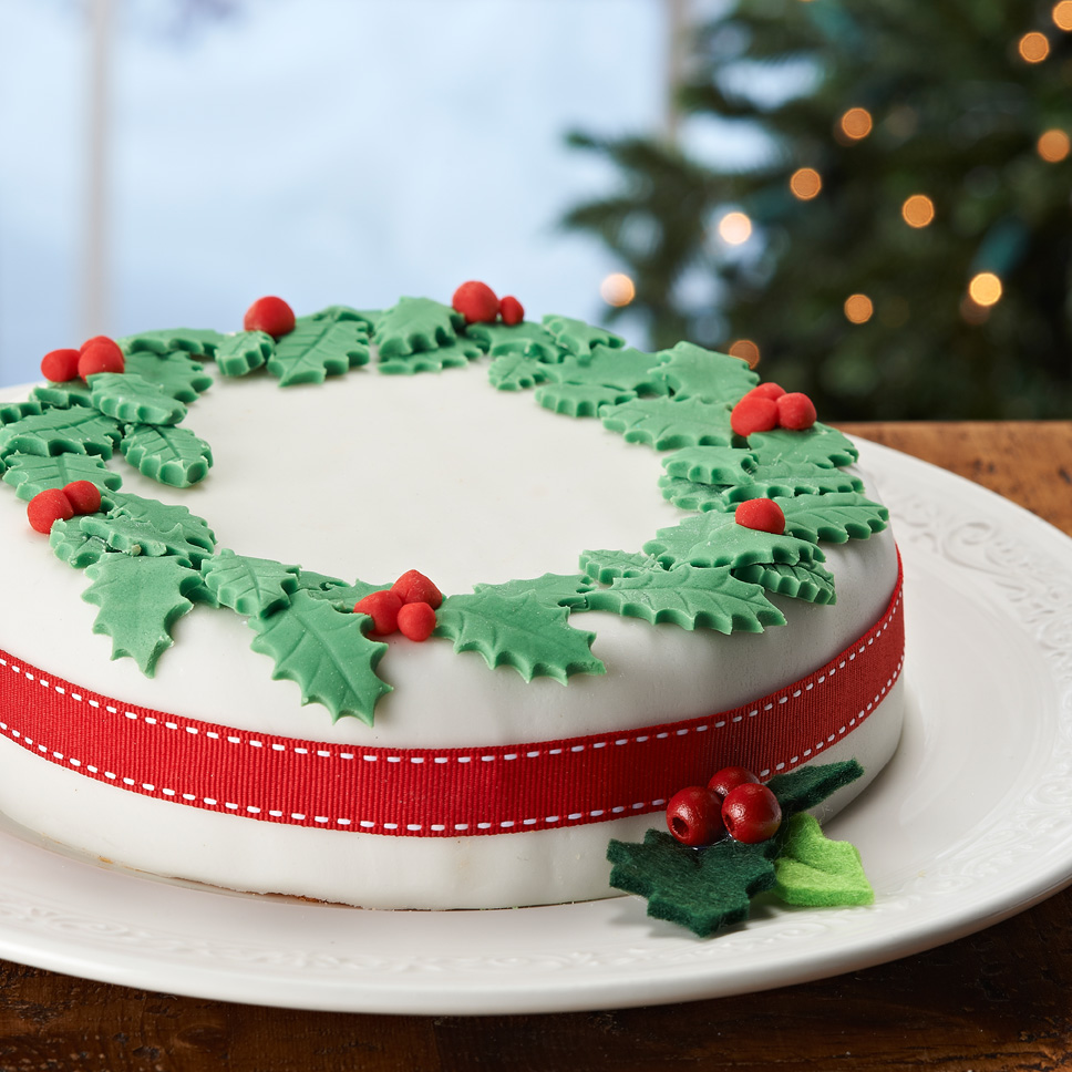 Lynda jane cakes christmas cake decoration for Iced christmas cakes