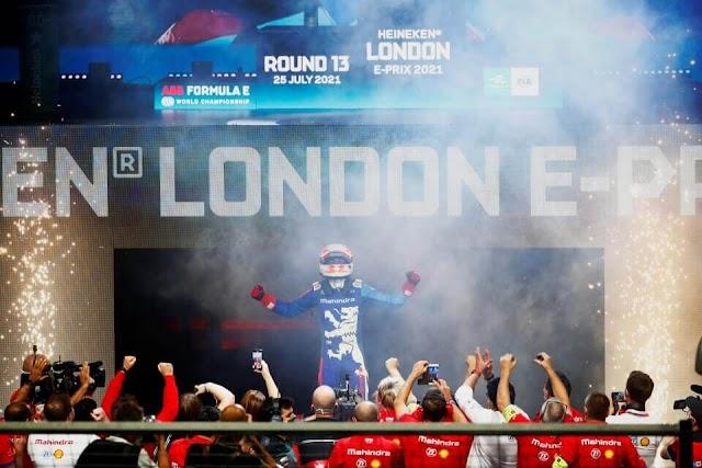 Alex Lynn consigue su primera victoria en Fórmula E en una caótica carrera en Londres