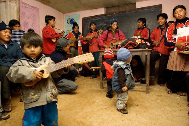 Бахаи на Празднике 19-го Дня в Боливии